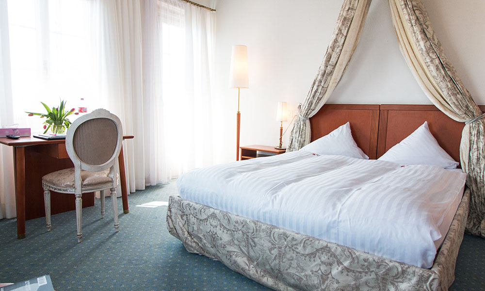 Intro-Hotel-Zimmer-Schloss-Romanshorn-1000x600