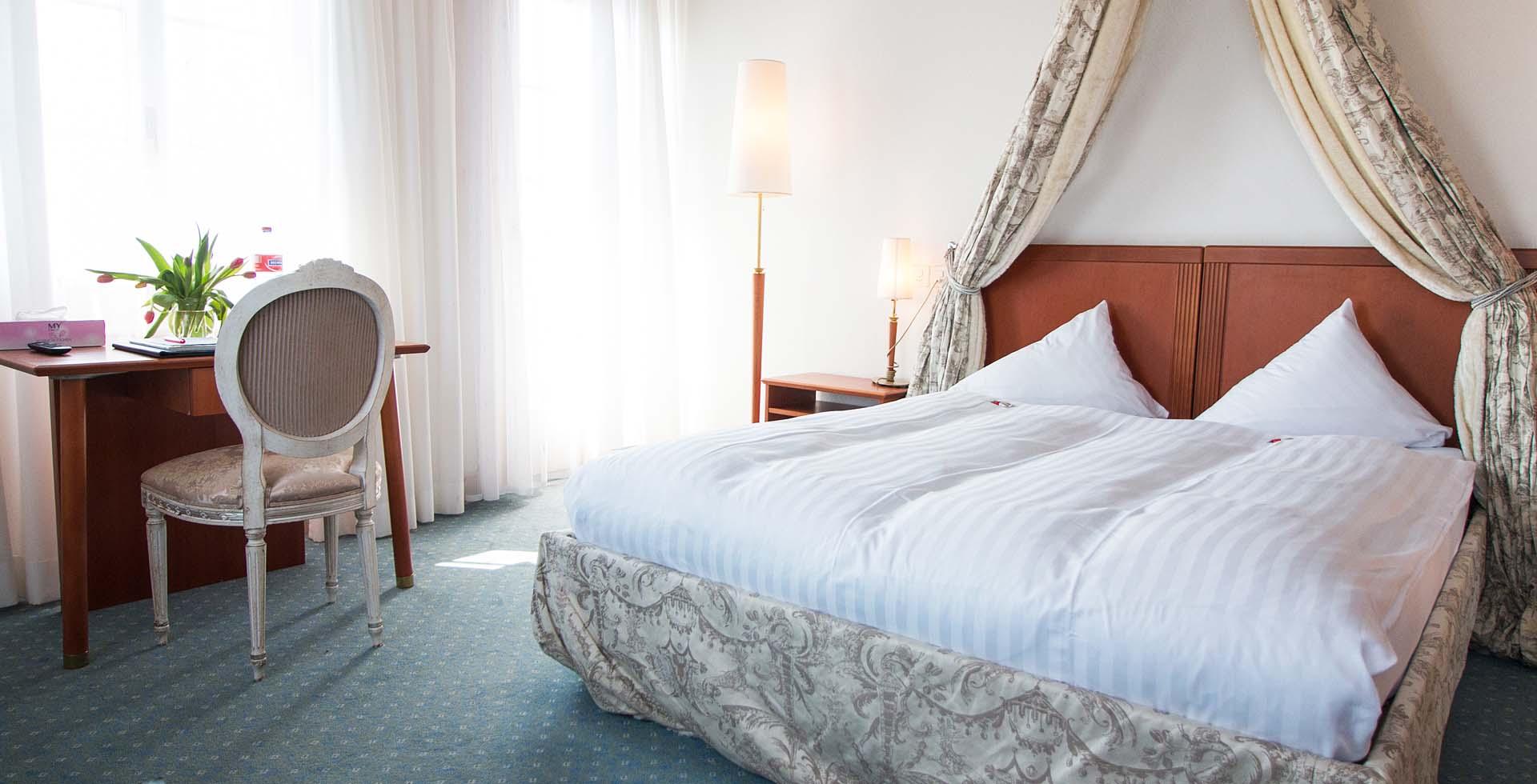 Slide Unser Hotel-Schloss-Romanshorn-_MG_1695-1920x980
