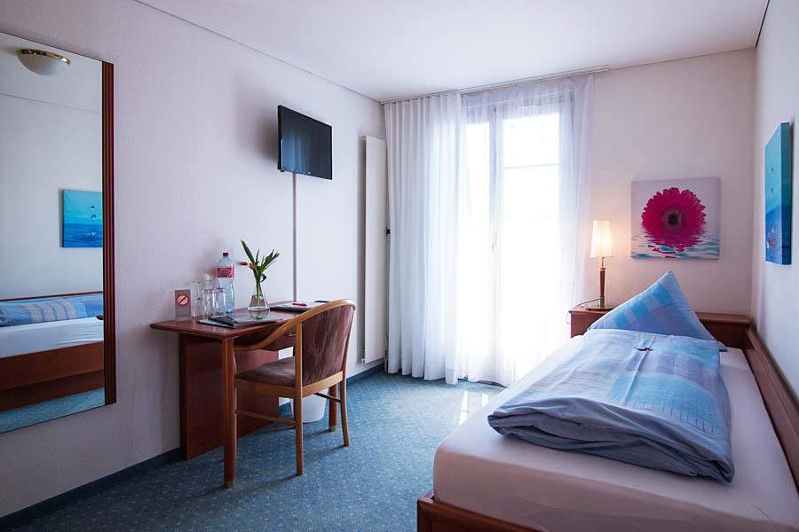 Zimmer EZB-Schloss Romanshorn-900x600